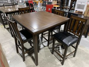 Dinning table w 4 chair for Sale in Nashville, TN