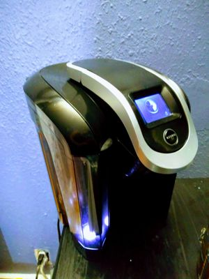 Keurig coffee maker w touch screen for Sale in San Antonio, TX