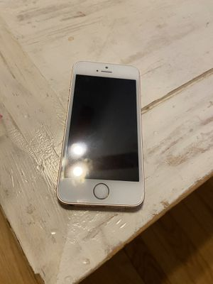 SE unlocked 16 gb for Sale in Skokie, IL