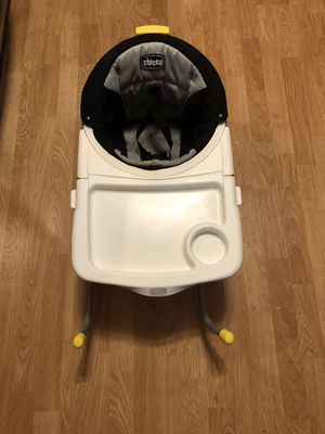 Chicco 360 Rotating Booster Set w Tray for Sale in Algonquin, IL