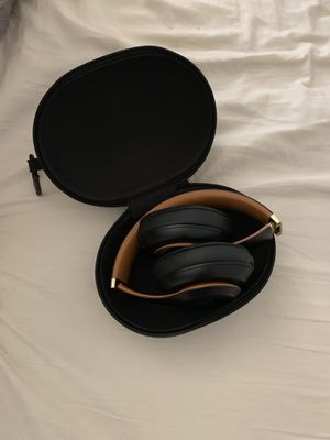 Beats by Dr. Dre - Beats Studio³ Wireless Noise Canceling Headphones - Beats Skyline Collection - Midnight Black for Sale in Fresno, CA