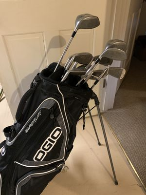 MacGregor Complete Golf Club Set and Bag for Sale in Seattle, WA