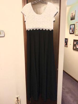 Floor Length Black & White Size 14 Dress for Sale in East Hartford, CT