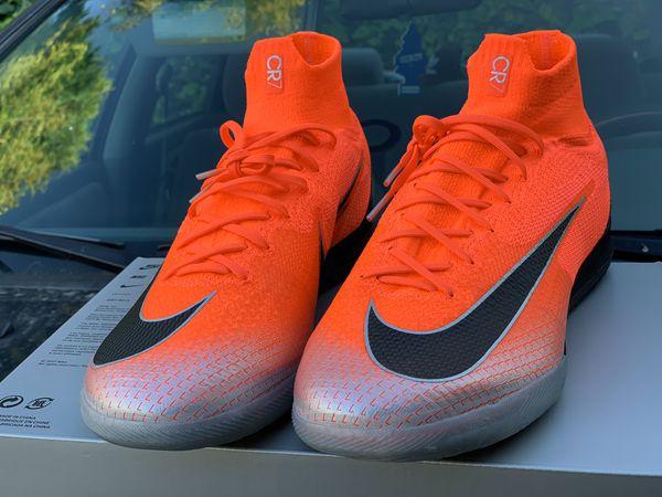 Nike Superfly 6 Elite indoors size 12