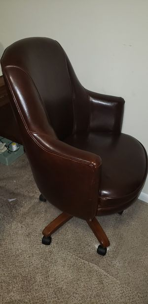Office chair pure leather, no scratch. for Sale in Aspen Hill, MD