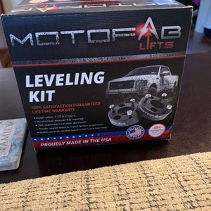 $50 OBO Brand New 2.5 Inch Motofab Leveling Kit For Fords for Sale in Belmont, NC