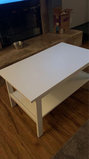 White coffee table for Sale in Peoria, AZ