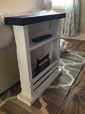 Side table for Sale in Elwood, IN