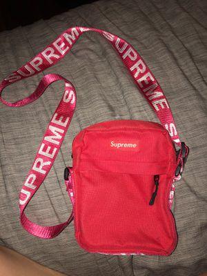 Supreme shoulder bag for Sale in Los Angeles, CA
