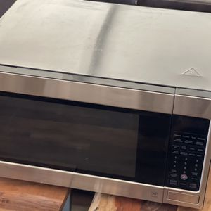 LG Microwave for Sale in Bakersfield, CA