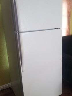 Refrigerator for Sale in San Bernardino,  CA