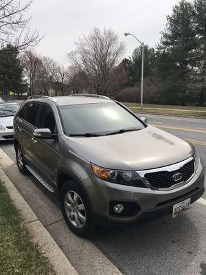 Kia Sorento 2012 / 3rd row 4 cylinders AWD for Sale in Germantown, MD
