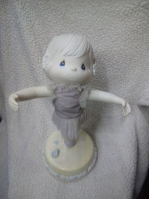 Precious moments musical doll for Sale in Las Vegas, NV