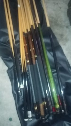 Used pool cues and accessories for Sale in Alafaya, FL