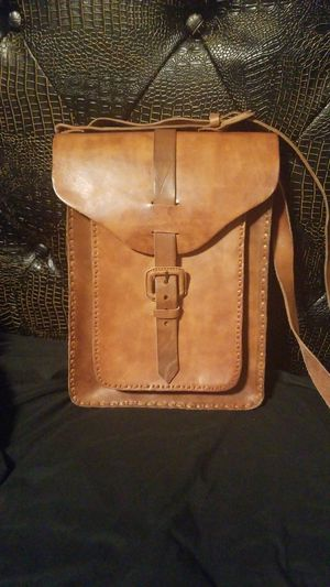 Leather messenger bag for Sale in Oxon Hill, MD