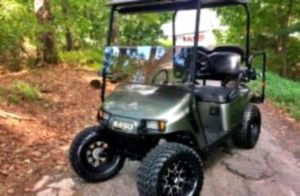 Price$1000 EZ-GO TXT 2O17 electric golf cart for Sale in Phoenix, AZ