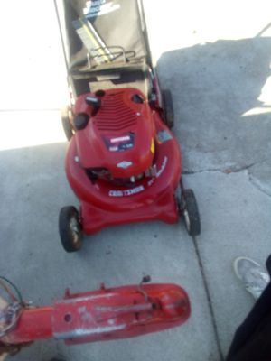 Craftsman 6.5 lawn mower with bag for Sale in Fairfield, CA