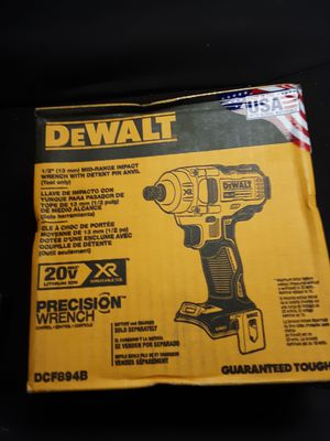 Dewalt 20v xr brushless mid-range impact wrench for Sale in Federal Way, WA
