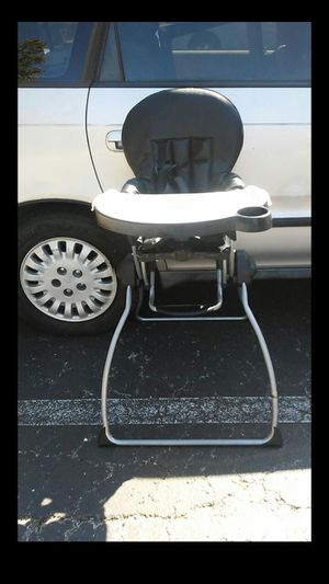 Joovy Nook Fold Up HighChair. for Sale in Nashville, TN