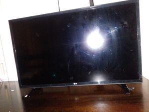 32 ' LG TV for Sale in Los Angeles, CA