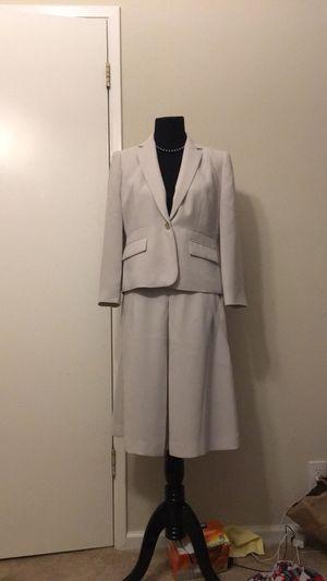 Calvin Klein blazer and skirt size 8 for Sale in Richmond, CA