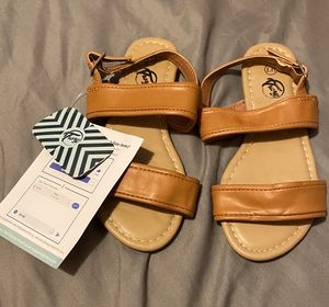 Girls brown sandals new size 11 for Sale in Los Angeles, CA