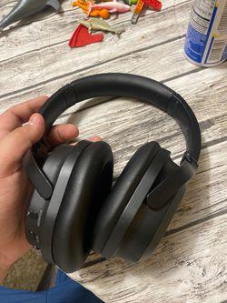 Insignia Wireless Bluetooth HeadPhones for Sale in San Antonio,  TX