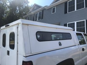 Truck camper in great condition with keys for Sale in Manassas, VA
