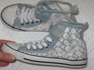 Girls denim floral fashion sneakers shoes lace up boots canvas size 1 Junior girls for Sale in Los Angeles, CA
