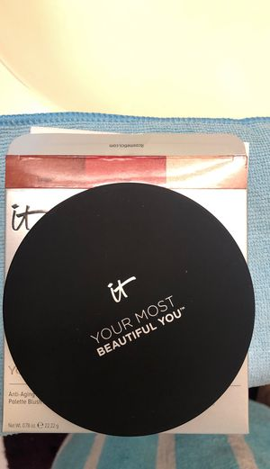 IT Cosmetics Your Most Beautiful You Anti-Aging Face Palette for Sale in Long Beach, CA