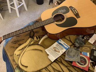 Stadium Guitar ,bag, Tuner, Strings, Accessories for Sale in Lake Oswego,  OR