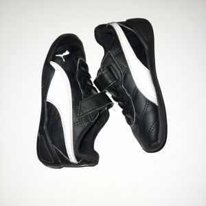 Toddler Shoes 8c Puma for Sale in Los Angeles, CA