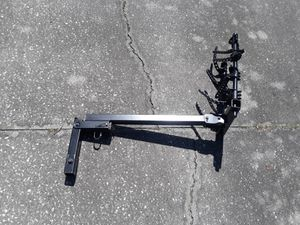 """Thule 4 bike bicycle 2"""" trailer hitch, like new. for Sale in Wesley Chapel, FL"""