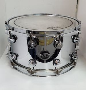 DW PERFORMANCE SERIES SINGLE SNARE DRUM. for Sale in Chicago, IL