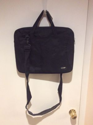 Just Air computer carry . Shoulder strap and handle. for Sale in Fresno, CA