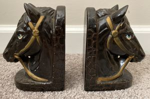 VINTAGE SET OF 2 PORCELAIN HORSES HEAD BOOK ENDS HOME DECOR ACCENT for Sale in Chapel Hill, NC