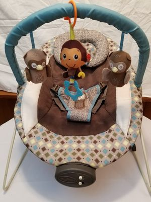💙👶💙 rocking chair baby boy in excellent condition has music and also vibrator only need new batteries works excellent💙👶💙 for Sale in Portland, OR
