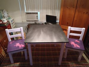 Kids toddler table and 2 chairs chalkboard top for Sale in Belle Isle, FL