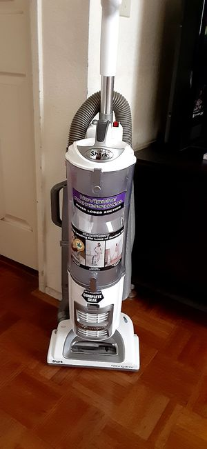 Shark professional navigator vacuum for Sale in Moreno Valley, CA
