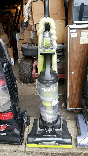 Eureka multi cyclonic AirSpeed ONE vacuum for Sale in Columbus, OH