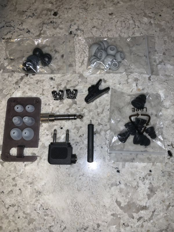 Headphone/earbuds ear tips assortment and accessories
