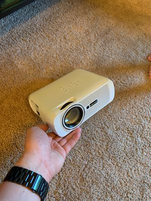 Crenova Projector 📽 for Sale in Barnhart, MO