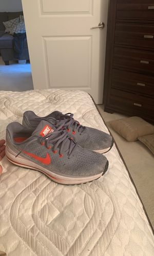 Nike Zoom Vomero Sz 12 (Oklahoma State) for Sale in Crofton, MD