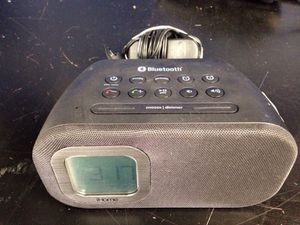 iHome Bluetooth alarm clock for Sale in Chicago, IL