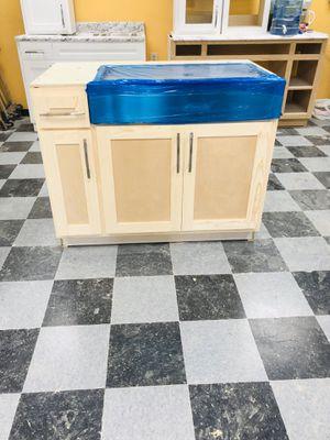 Kitchen cabinets for Sale in Altadena, CA