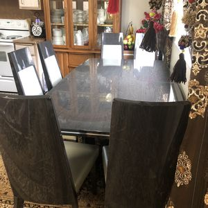 Great Condition Dining Table With 6 Chairs 🪑 for Sale in Kent, WA