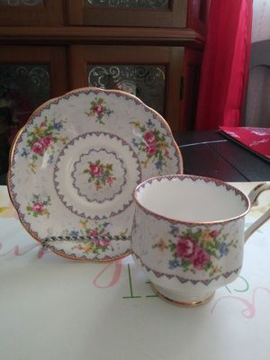 Vintage Royal Albert Teacup & Saucer Fine Bone China Made in England for Sale in Wilmington, CA