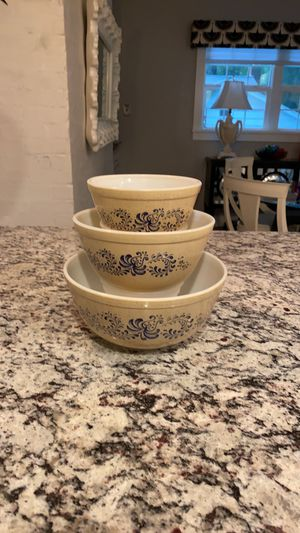 Pyrex Homestead mixing bowls. for Sale in Fairfax, VA