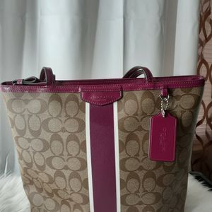 Coach Handbag For Sale $100.00 for Sale in Columbia, SC