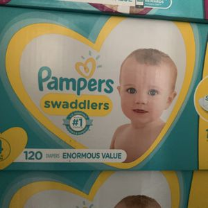 Pampers Swaddlers Size 4 for Sale in El Monte, CA